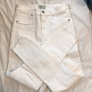 White Abercrombie jeans size 25!